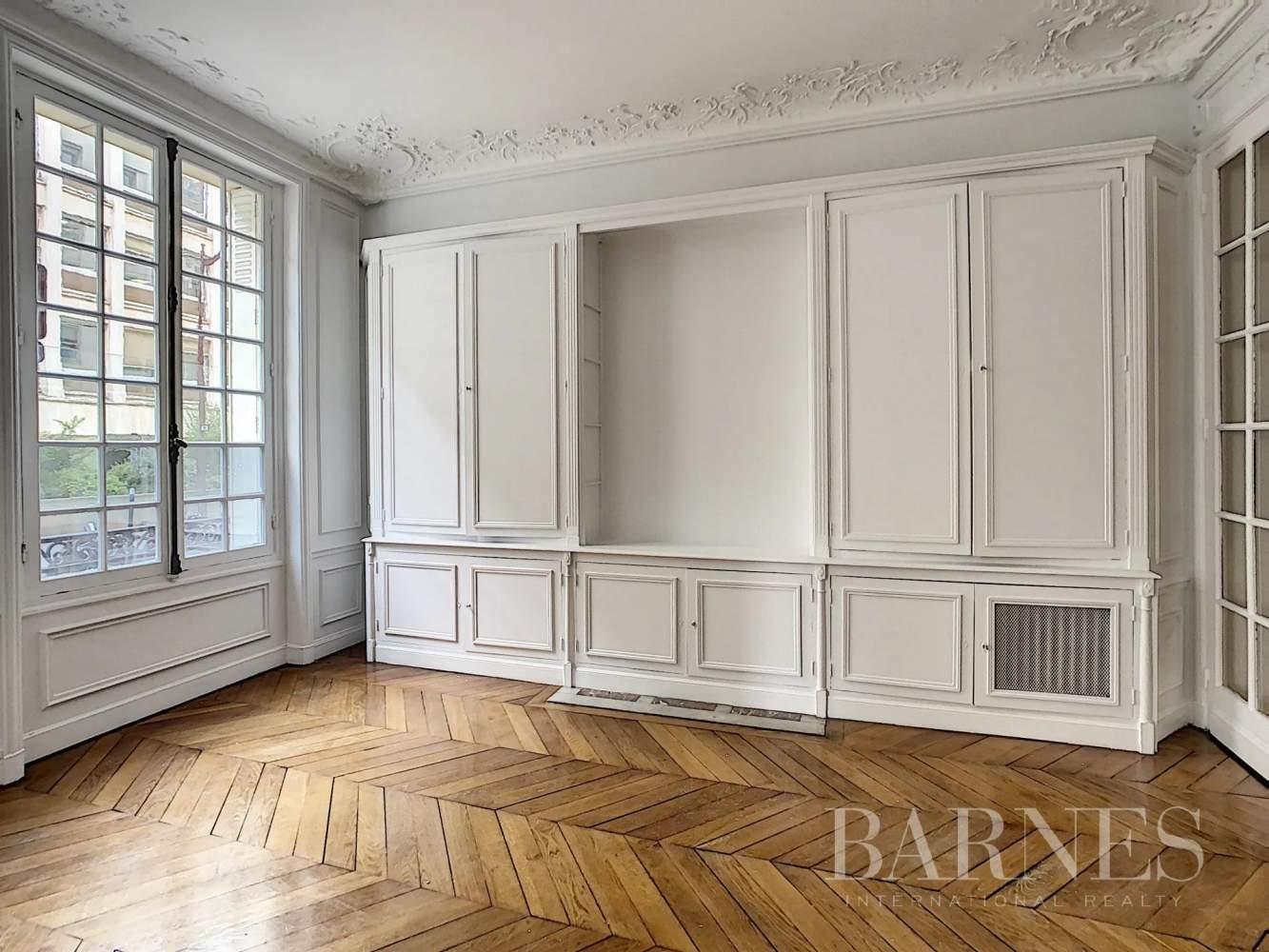 Neuilly-sur-Seine  - Appartement 6 Pièces 3 Chambres - picture 2