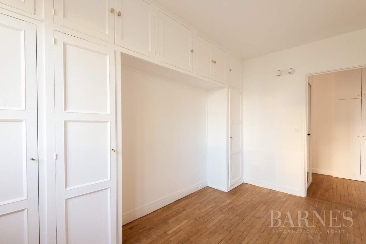 NEUILLY CHEZY APPARTEMENT 3 CHAMBRES VIDE PARKING BALCON picture 7
