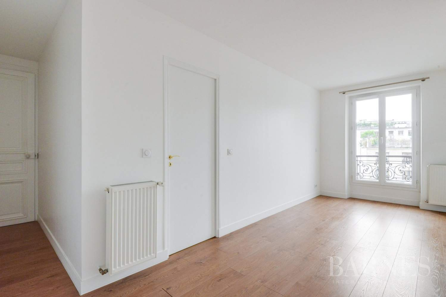 Neuilly-sur-Seine  - Appartement 5 Pièces 3 Chambres - picture 9