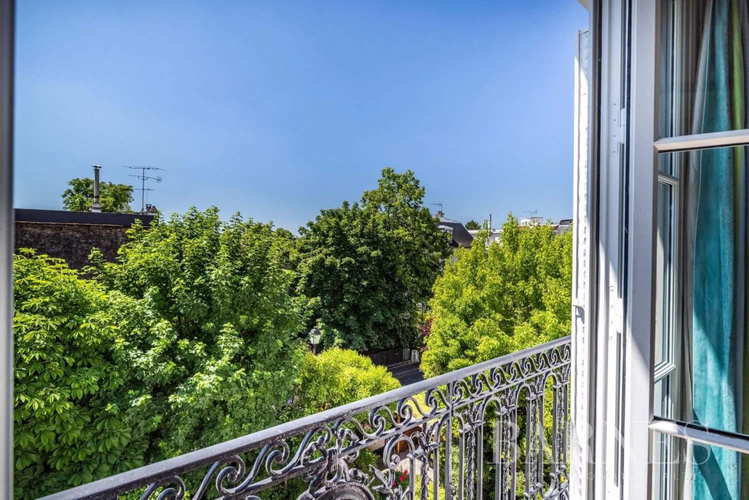 Neuilly-sur-Seine  - Hôtel particulier 9 Pièces 6 Chambres - picture 15