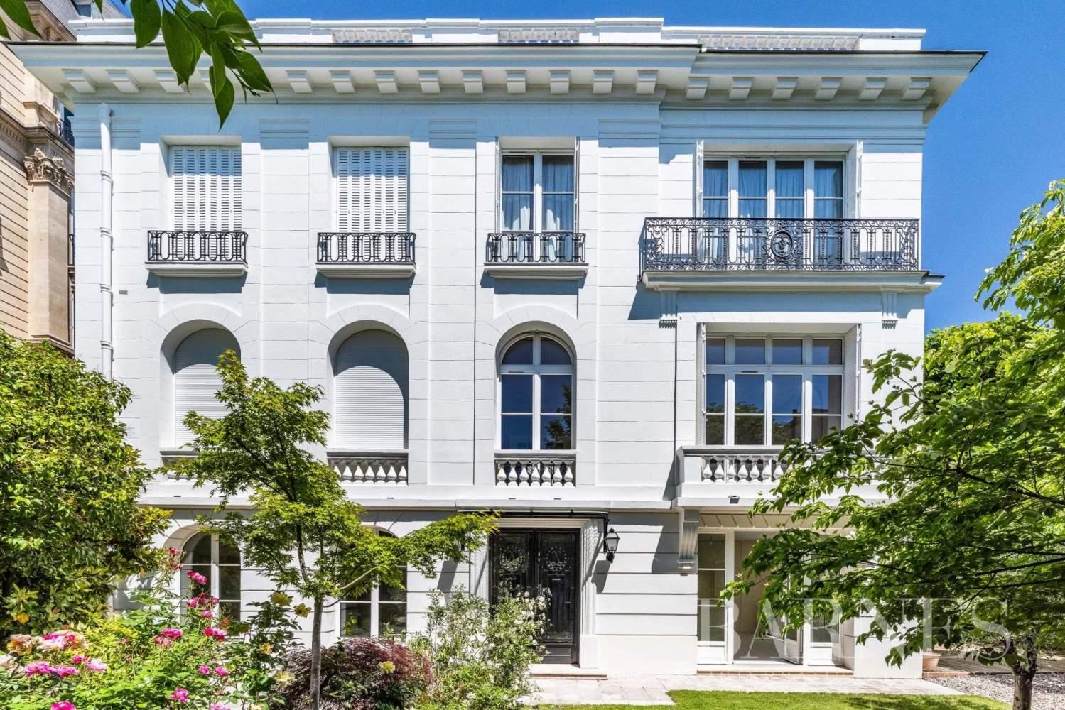 Neuilly-sur-Seine  - Hôtel particulier 9 Pièces 6 Chambres - picture 1