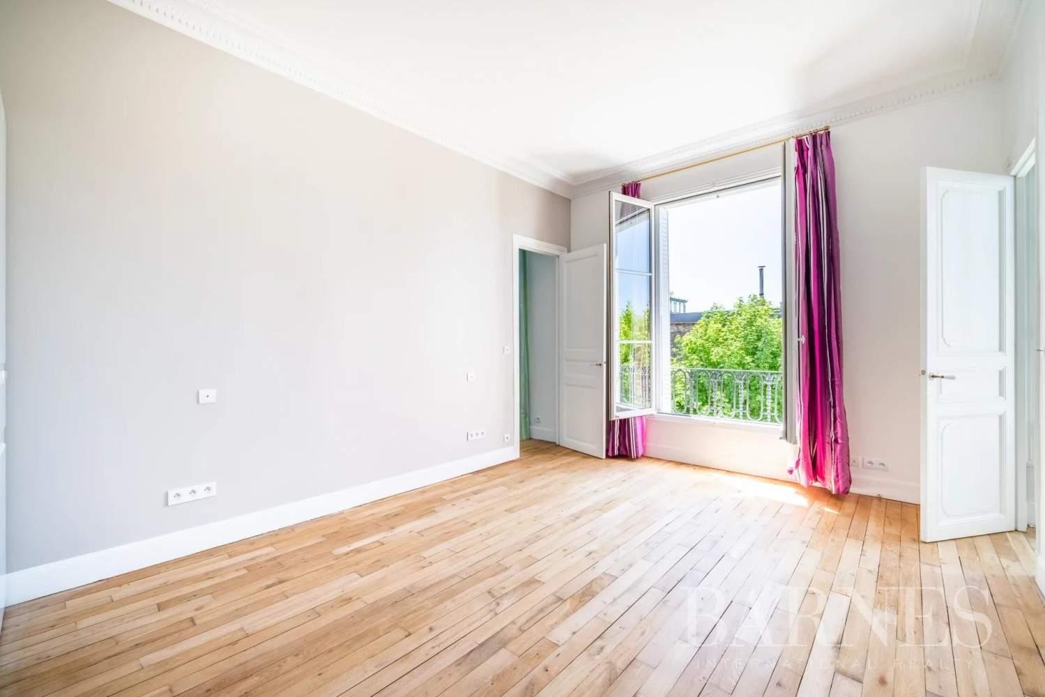Neuilly-sur-Seine  - Hôtel particulier 9 Pièces 6 Chambres - picture 13