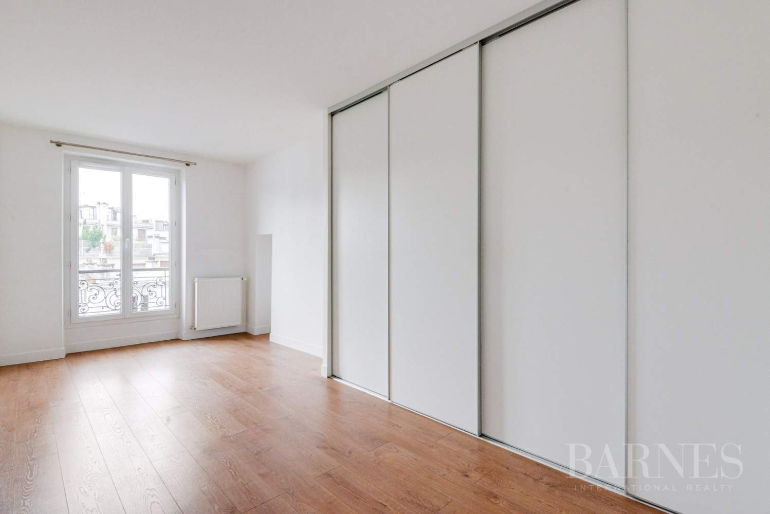 NEUILLY SABLONS 3 CHAMBRES VIDE REFAIT A NEUF picture 7