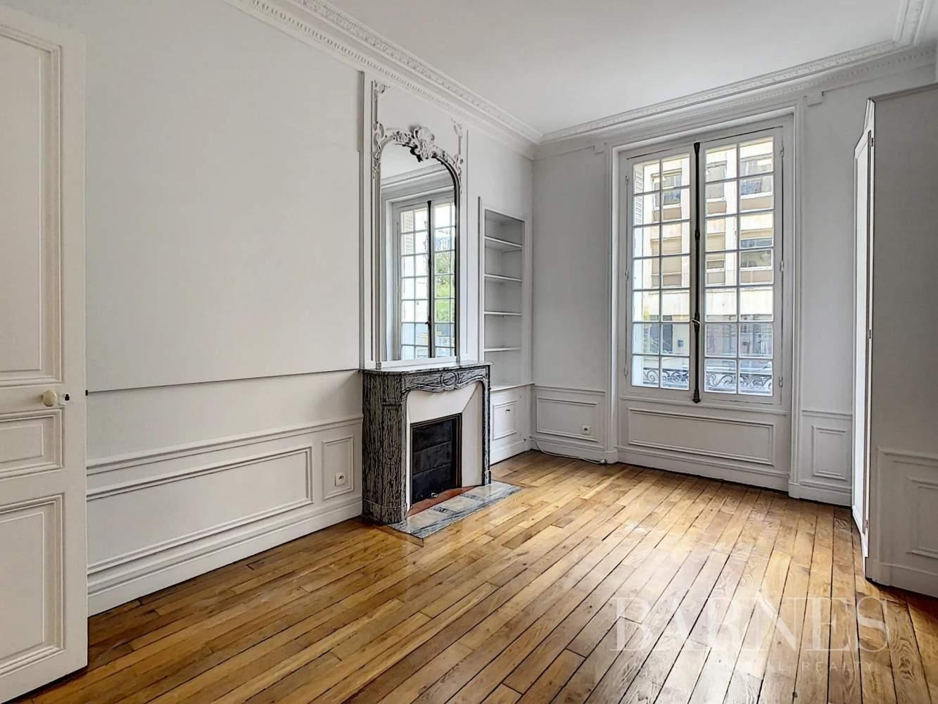 Neuilly-sur-Seine  - Appartement 6 Pièces 3 Chambres - picture 3