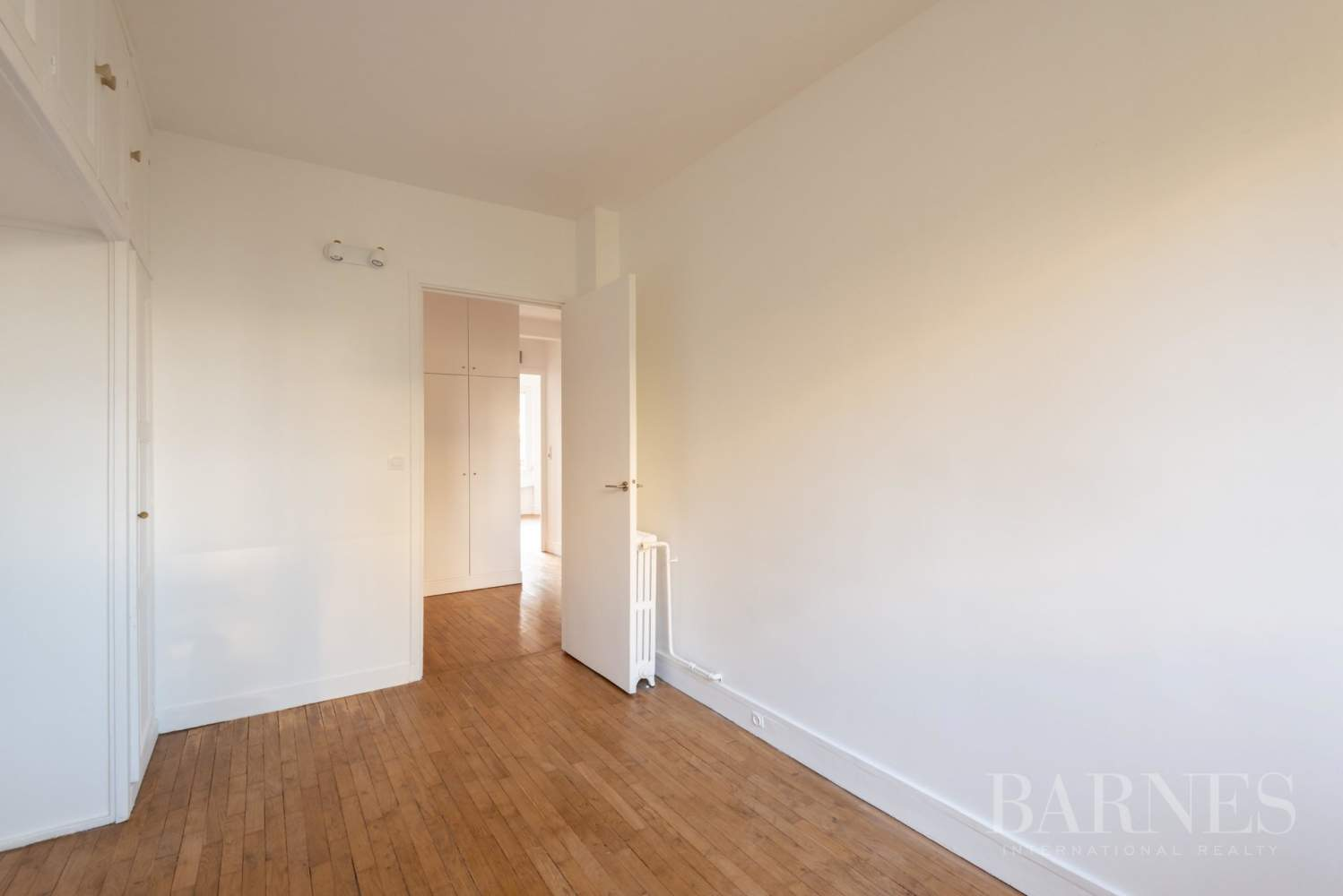 NEUILLY CHEZY APPARTEMENT 3 CHAMBRES VIDE PARKING BALCON picture 6