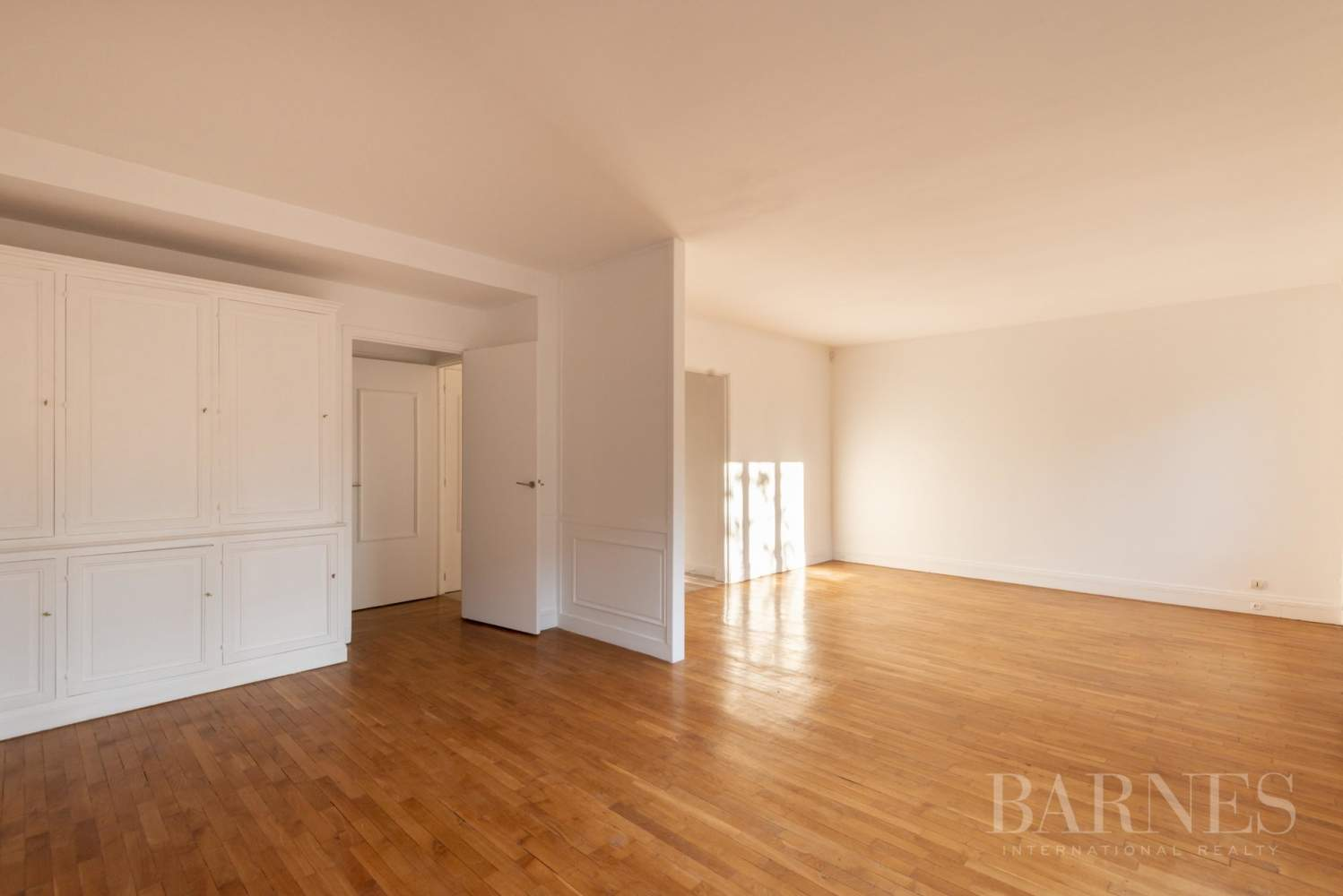 NEUILLY CHEZY APPARTEMENT 3 CHAMBRES VIDE PARKING BALCON picture 2