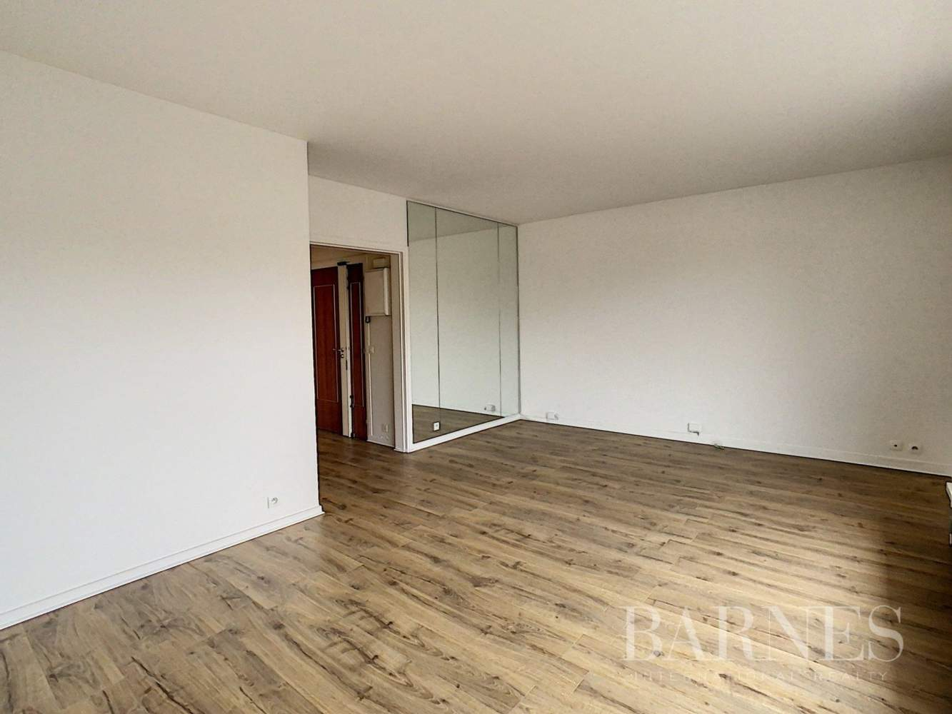 Neuilly-sur-Seine  - Apartment 2 Bedrooms - picture 2