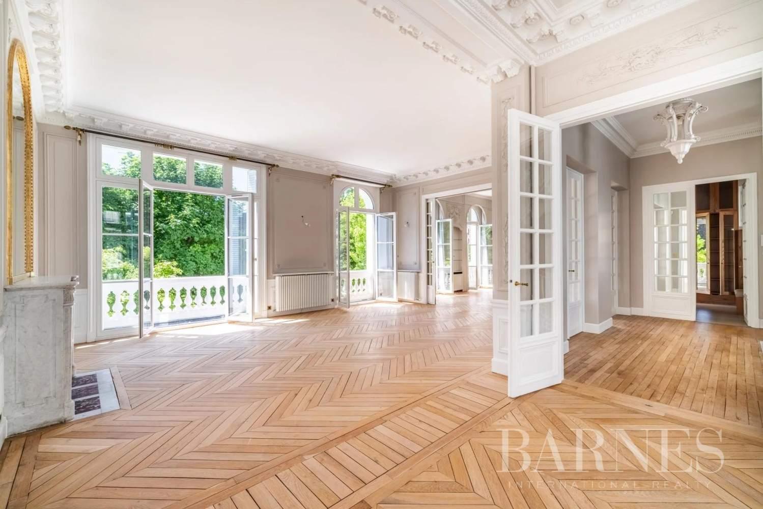 Neuilly-sur-Seine  - Hôtel particulier 9 Pièces 6 Chambres - picture 11