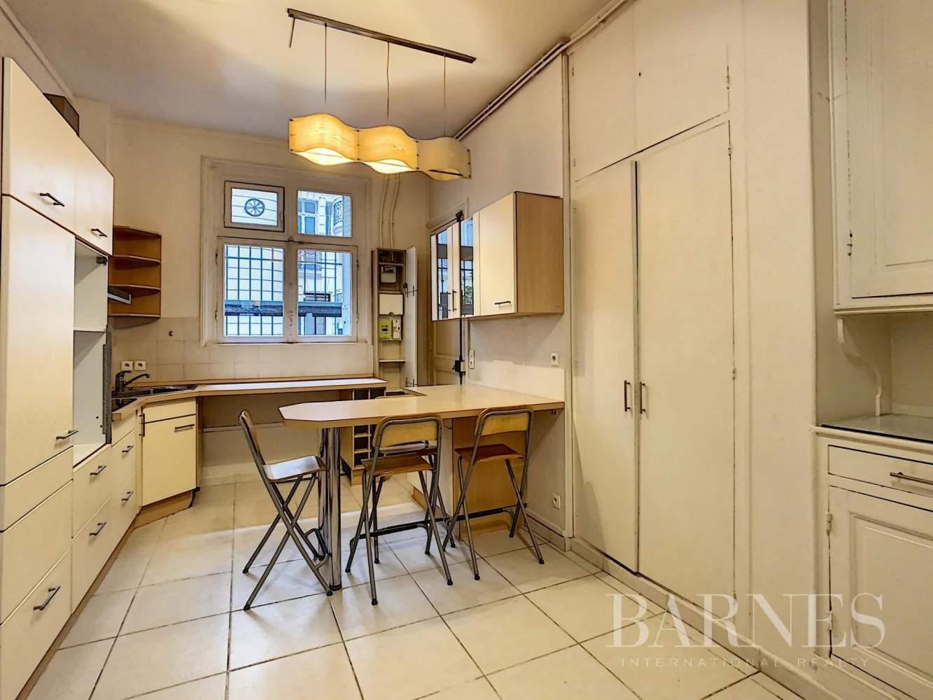 Neuilly-sur-Seine  - Appartement 6 Pièces 3 Chambres - picture 8