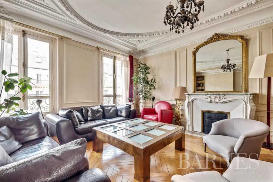 Paris  - Appartement 6 Pièces 5 Chambres