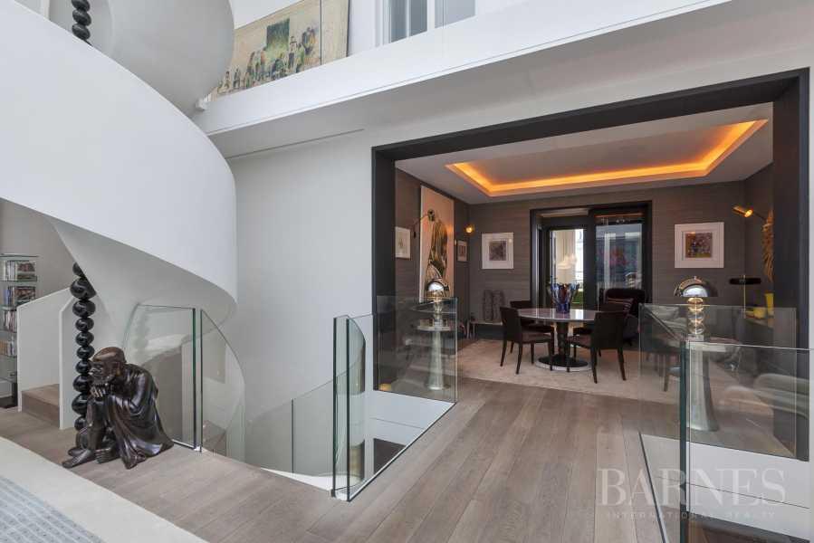 Paris  - Appartement 7 Pièces 3 Chambres