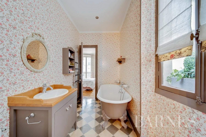 Paris  - Appartement 9 Pièces 4 Chambres - picture 12