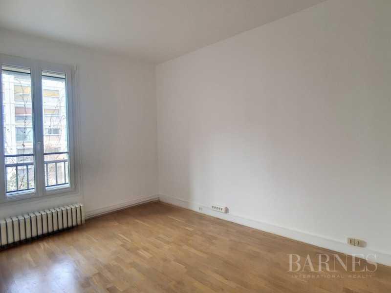 Paris  - Appartement 5 Pièces 2 Chambres