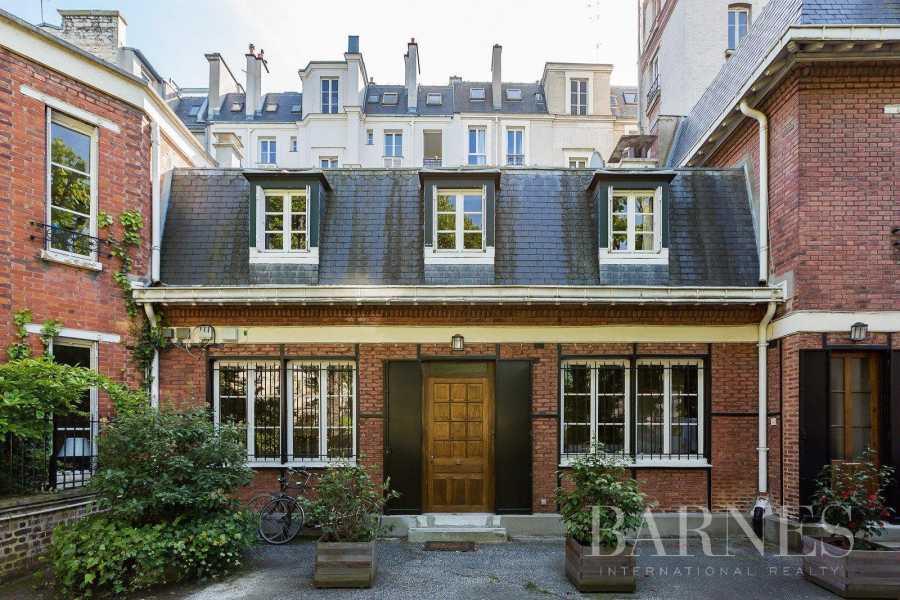 Paris  - Maison 7 Pièces 5 Chambres