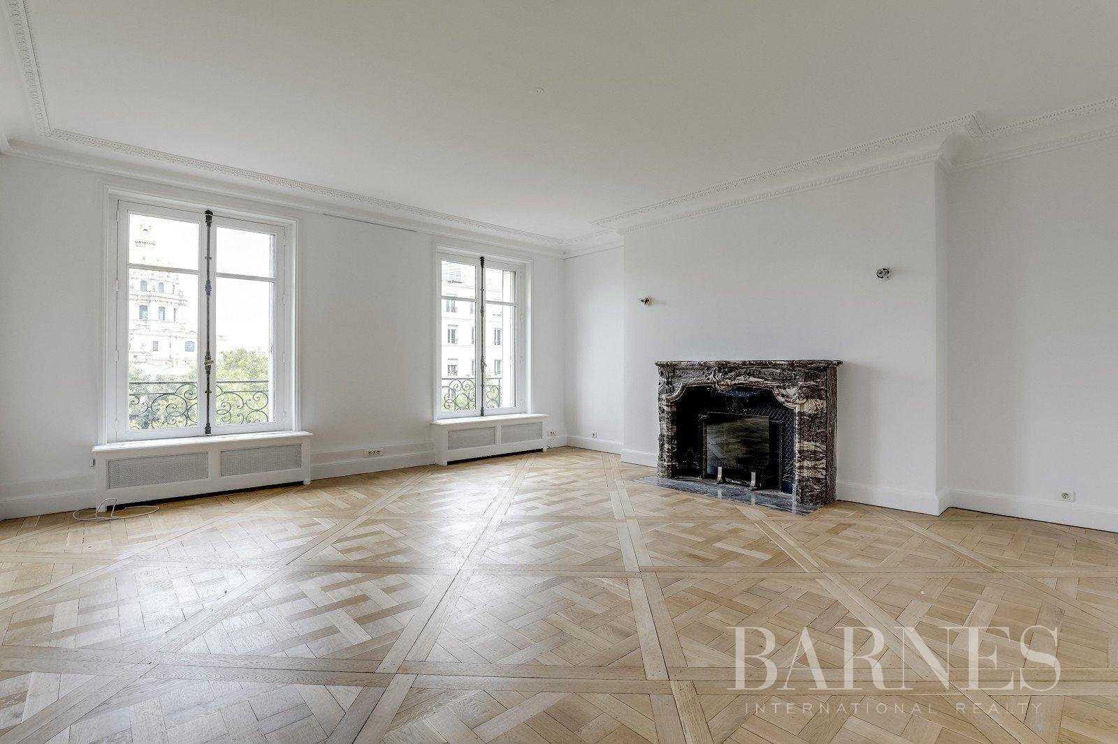 Appartement Paris 75007  -  ref 2765582 (picture 2)
