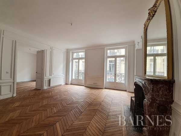 Appartement Paris 75007  -  ref 5083968 (picture 2)