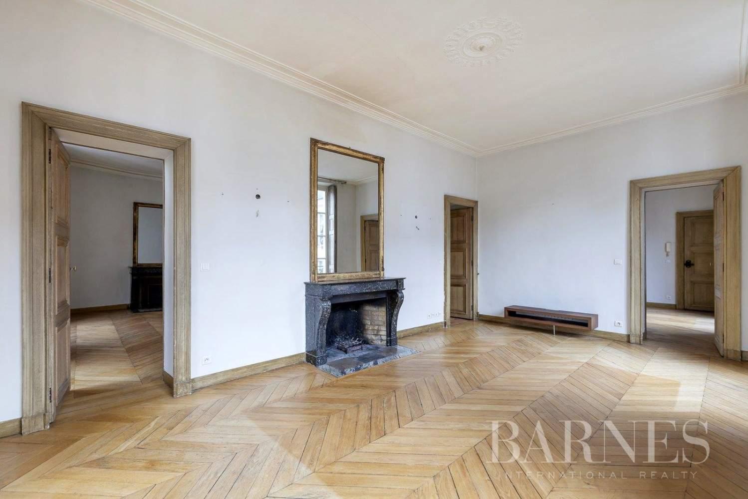 Paris  - Apartment 3 Bedrooms - picture 2