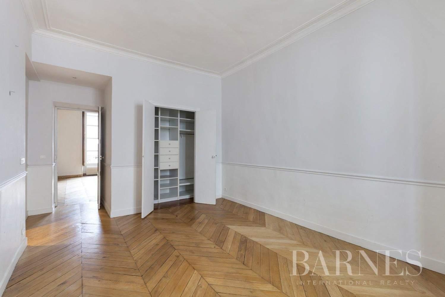 Paris  - Apartment 3 Bedrooms - picture 12