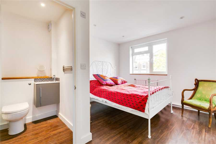 London  - House 3 Bedrooms