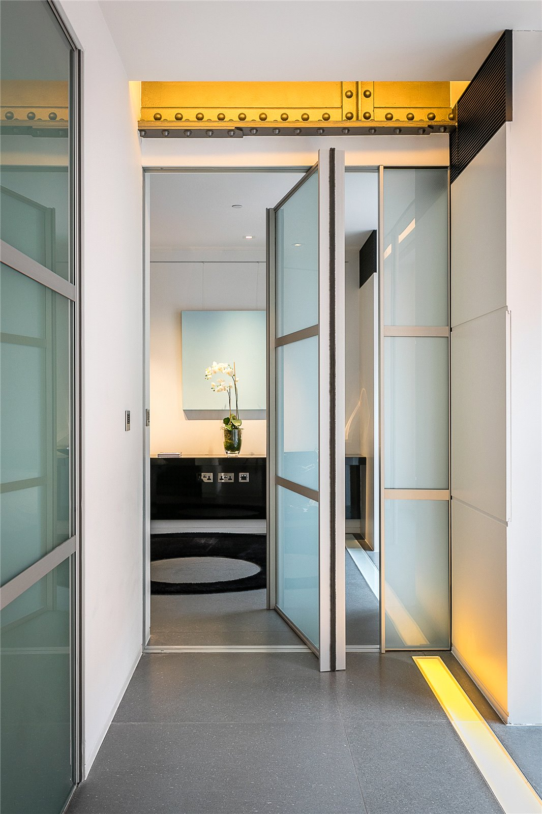 London  - Apartment 3 Bedrooms - picture 16