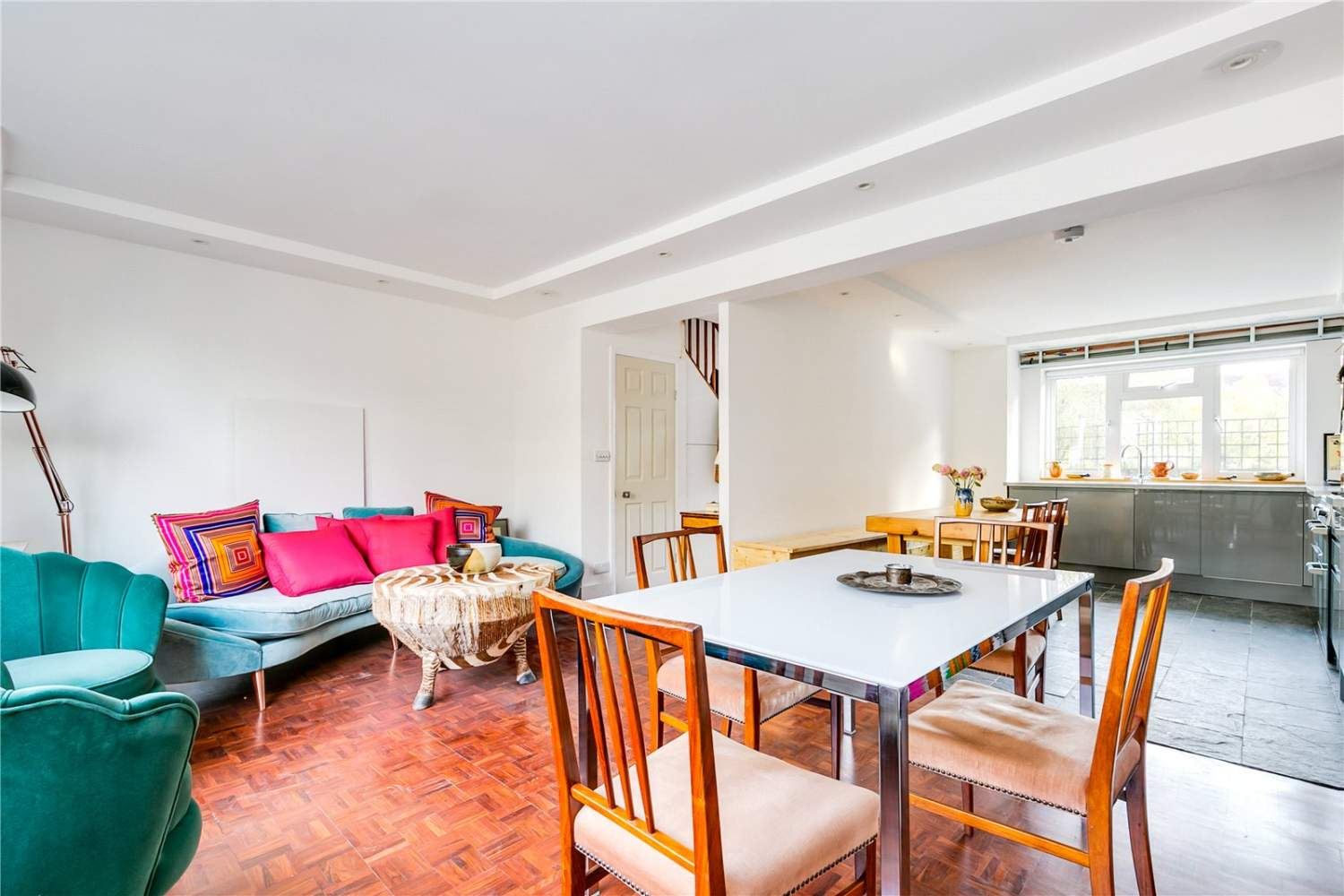 London  - House 3 Bedrooms - picture 10