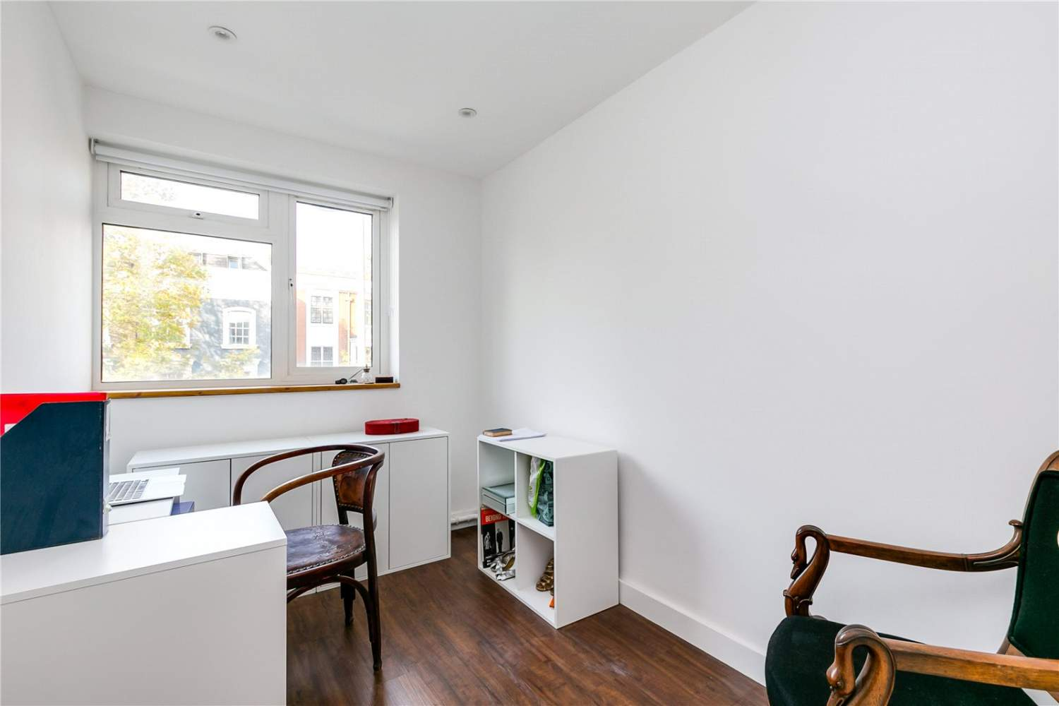 London  - House 3 Bedrooms - picture 6