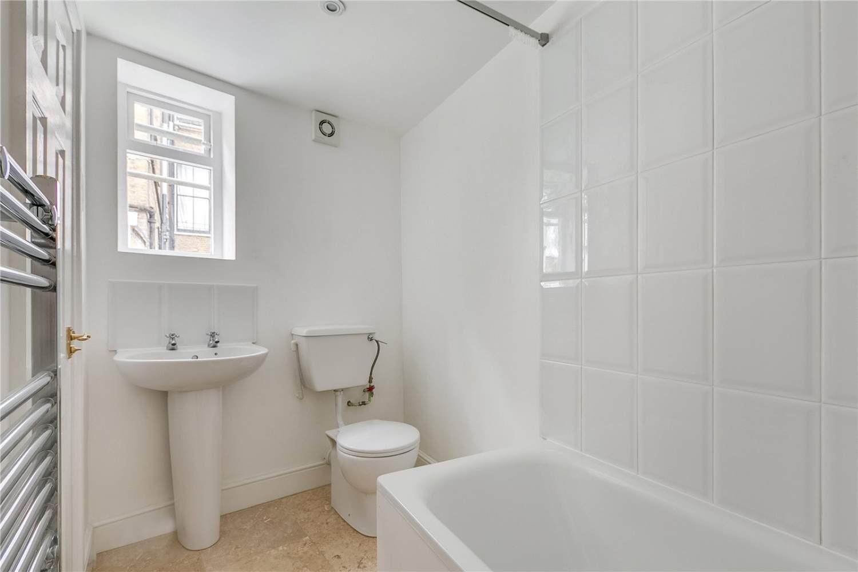 London  - Maison 5 Pièces 4 Chambres - picture 11