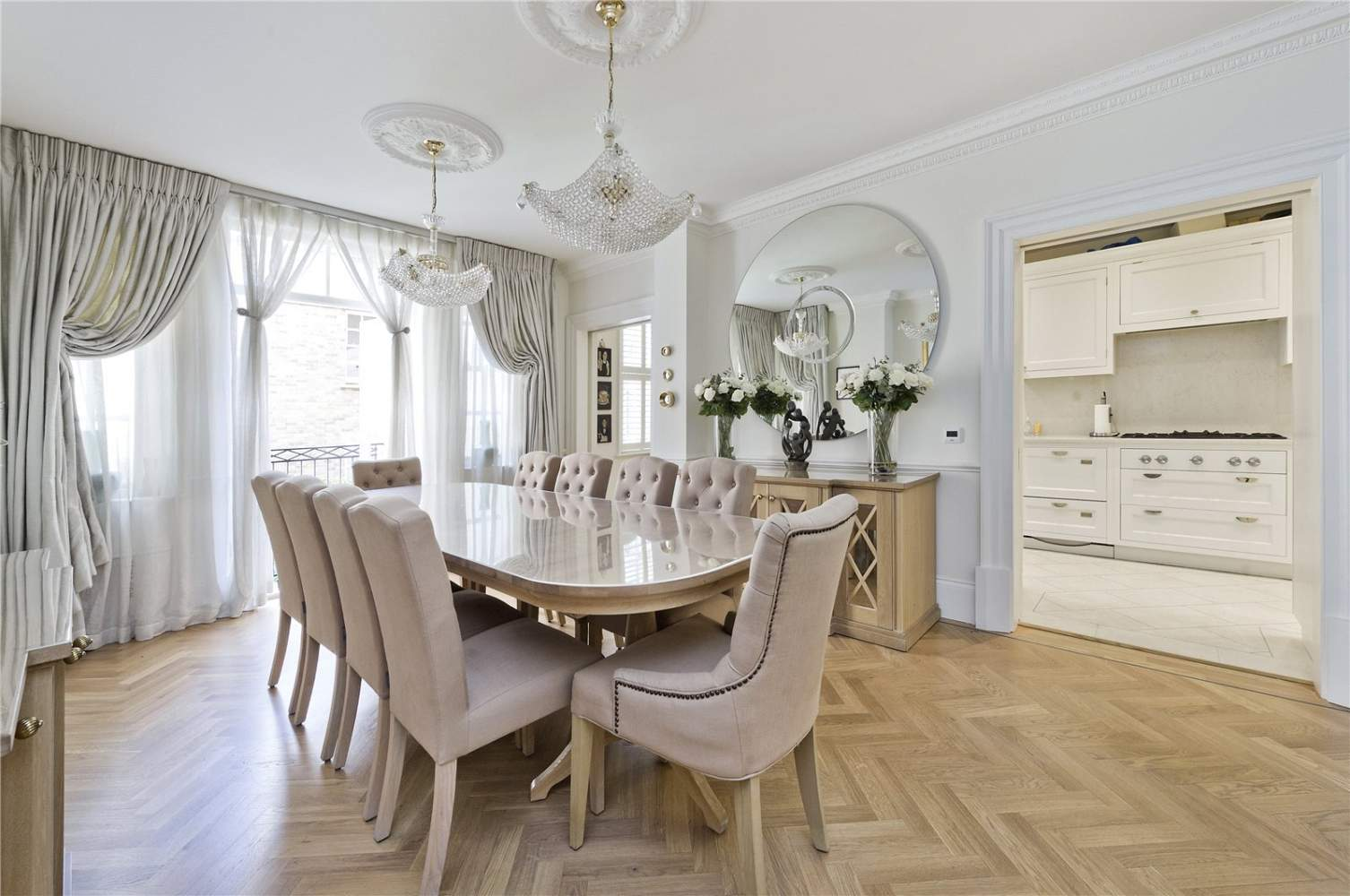 London  - Apartment 3 Bedrooms - picture 4