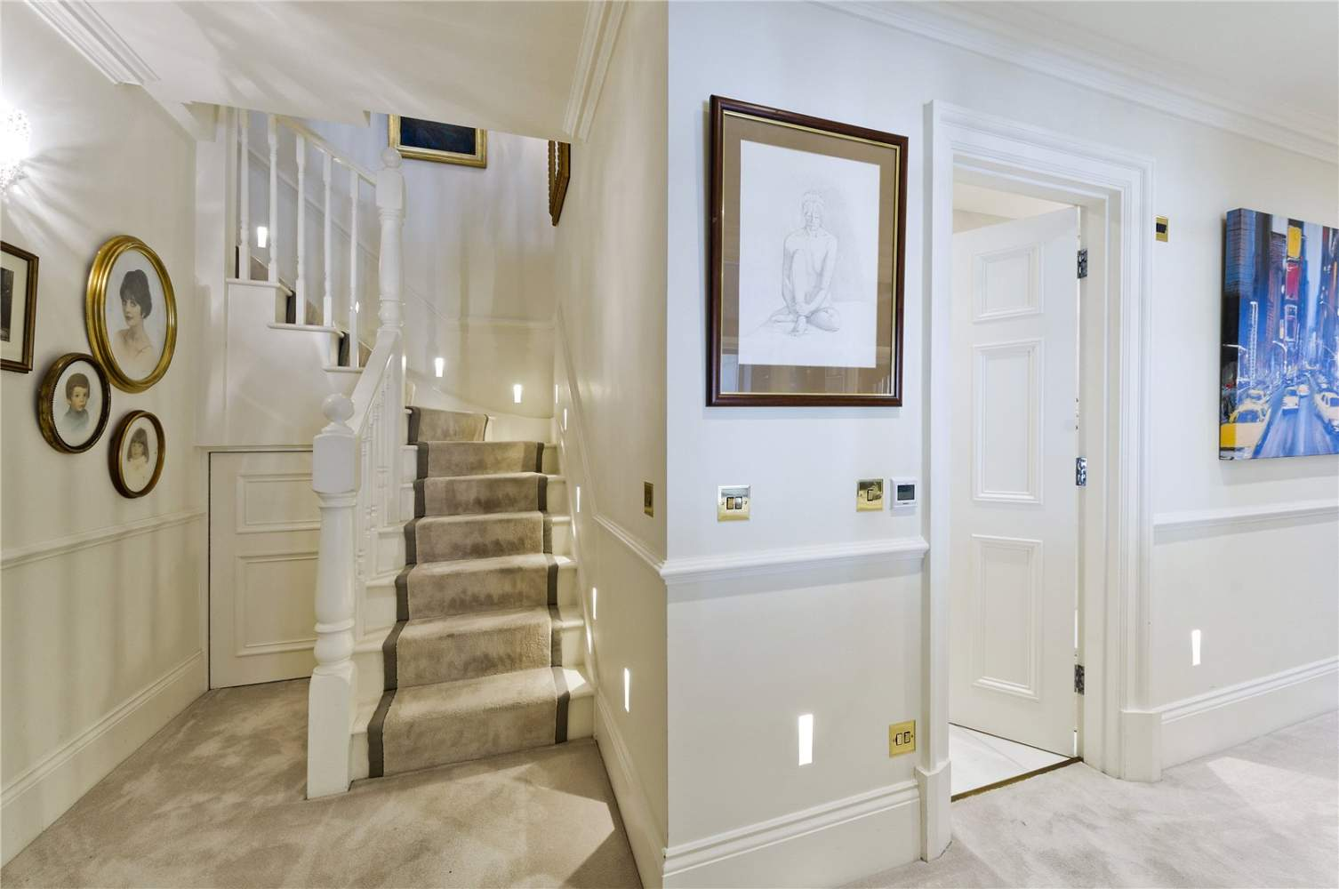 London  - Apartment 3 Bedrooms - picture 8
