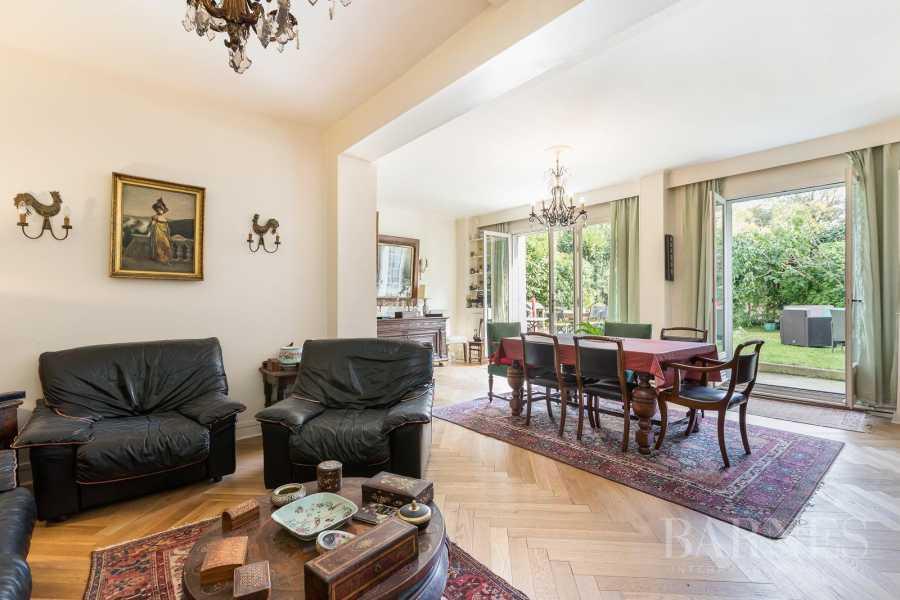 Saint-Cloud  - Maison 10 Pièces 6 Chambres