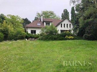 Le Chesnay-Rocquencourt  - Maison 9 Pièces, 1 Chambre