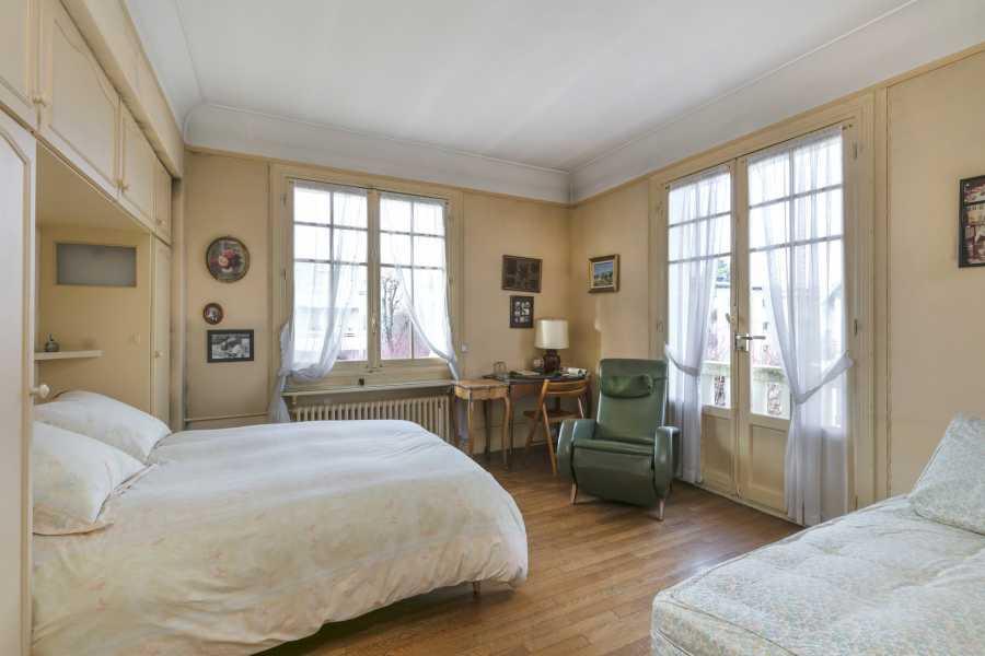 Saint-Germain-en-Laye  - Maison 5 Pièces 3 Chambres