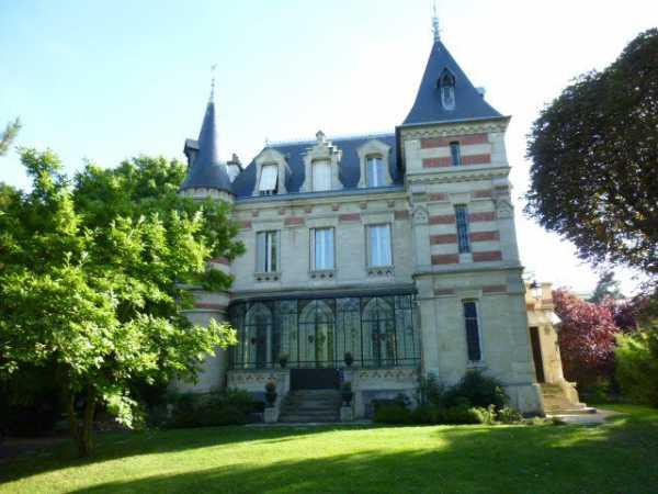 House, Le V - Ref 2597131