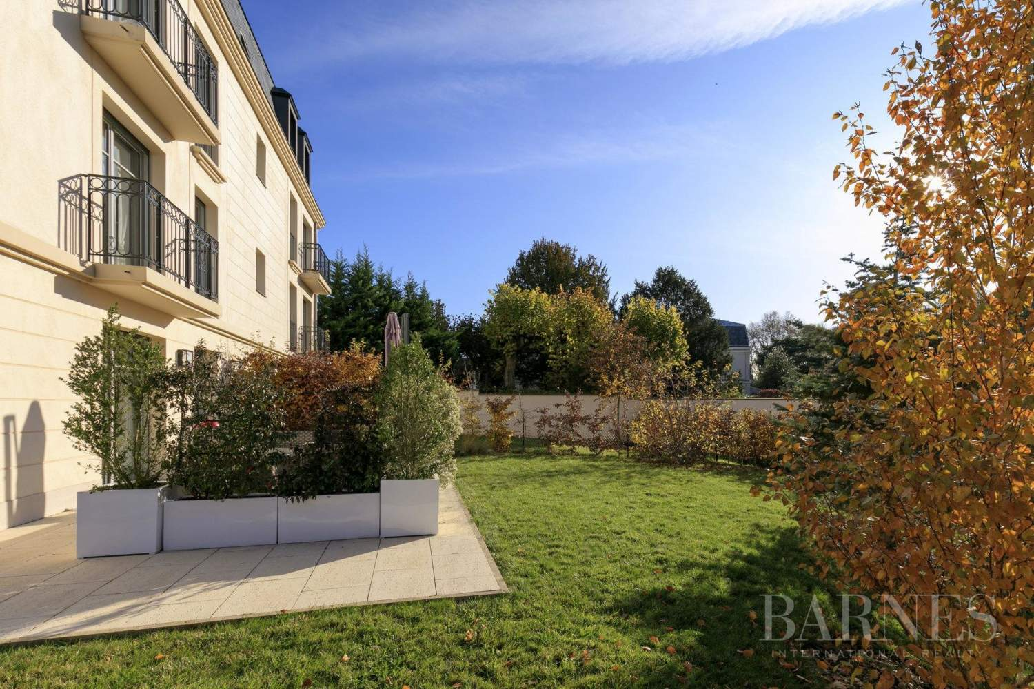 Versailles Ermitage - 95m² (1,022 sq ft) apartment, 4 rooms with a private 145m² (1,560 sq ft) garden picture 1