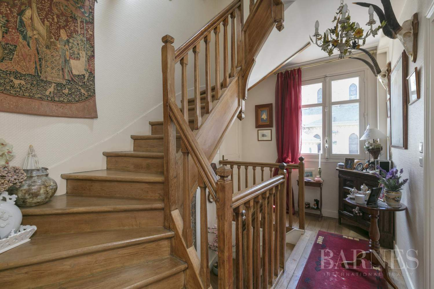 LE CHESNAY - PLATEAU ST ANTOINE 3,498 sq ft HOUSE with INDEPENDENT STUDIOS - GARAGE picture 7
