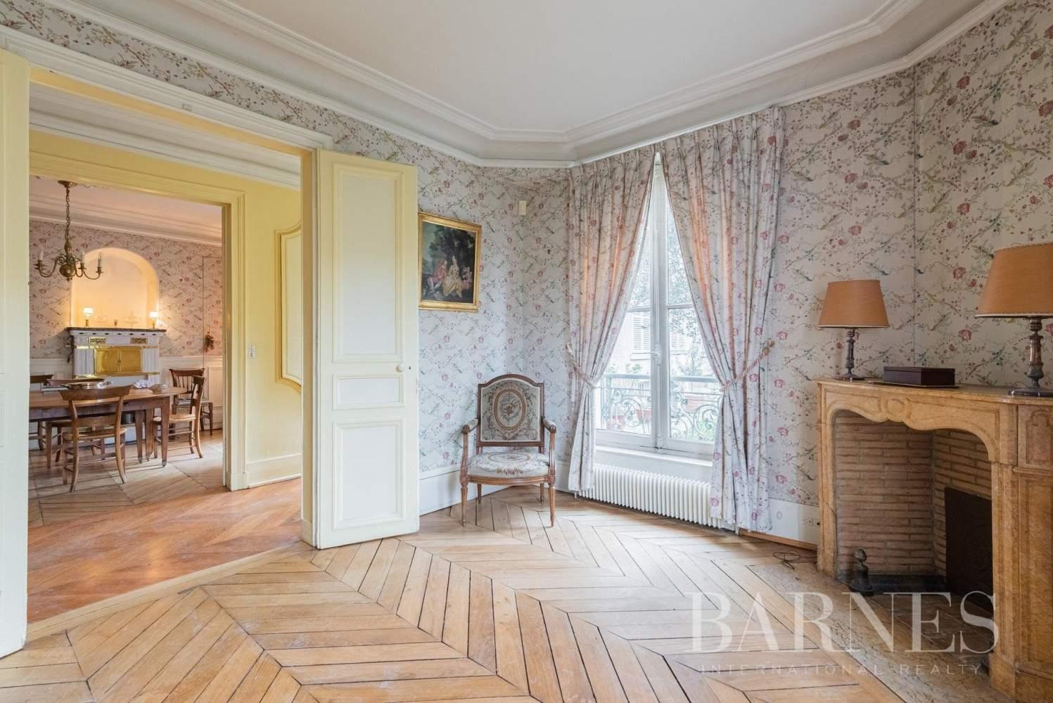Versailles  - Maison 8 Pièces 5 Chambres - picture 2