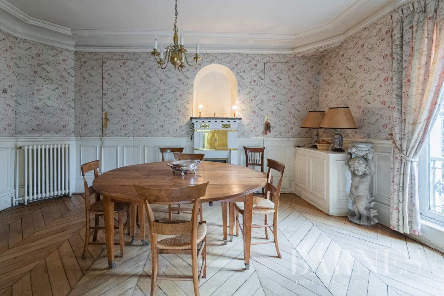 Versailles  - Maison 8 Pièces 5 Chambres - picture 4