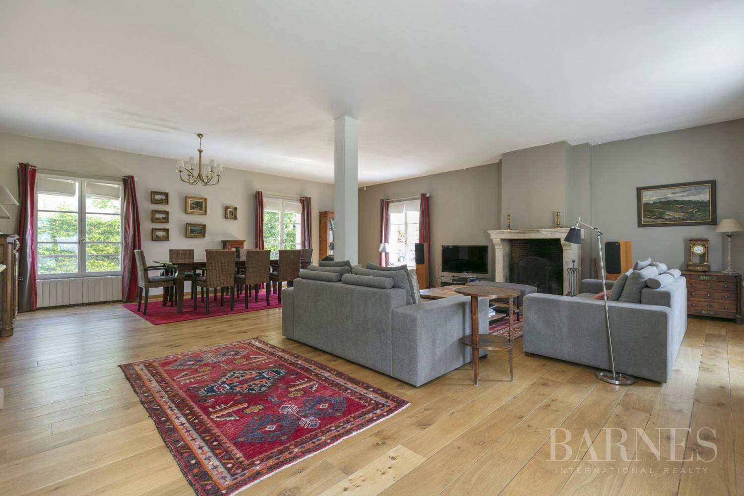 CENTRE OF NOISY-LE-ROI, 330m² (3,552 sq ft) FAMILY HOUSE, 5 BEDROOMS, 500m² (5,382 sq ft), SEPARATE STUDIO picture 1