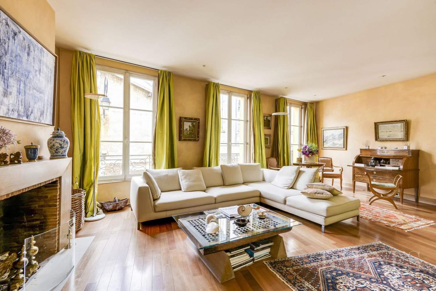 Versailles  - Maison 8 Pièces 5 Chambres - picture 1