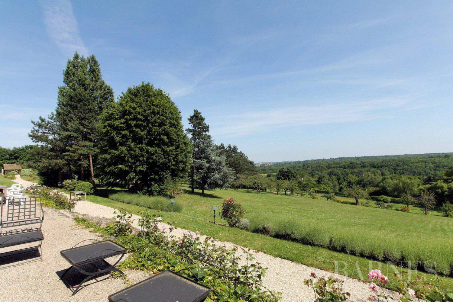 .HOUSE FOR SALE- CHAMBOURCY- NEAR GOLF COURSE JOYENVAL picture 2