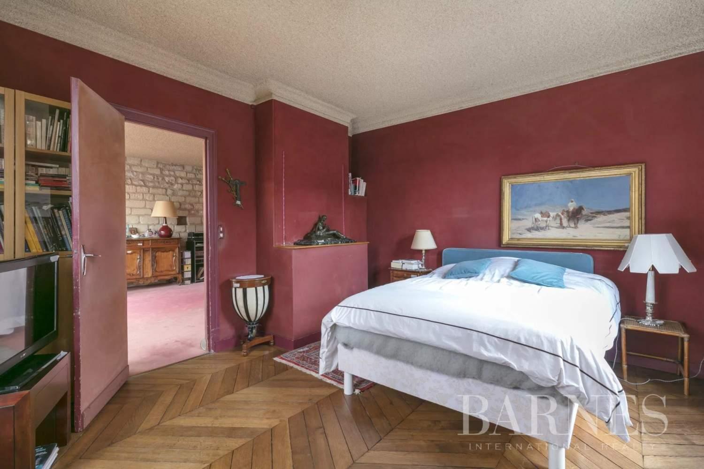 Saint-Germain-en-Laye  - Maison 8 Pièces - picture 4