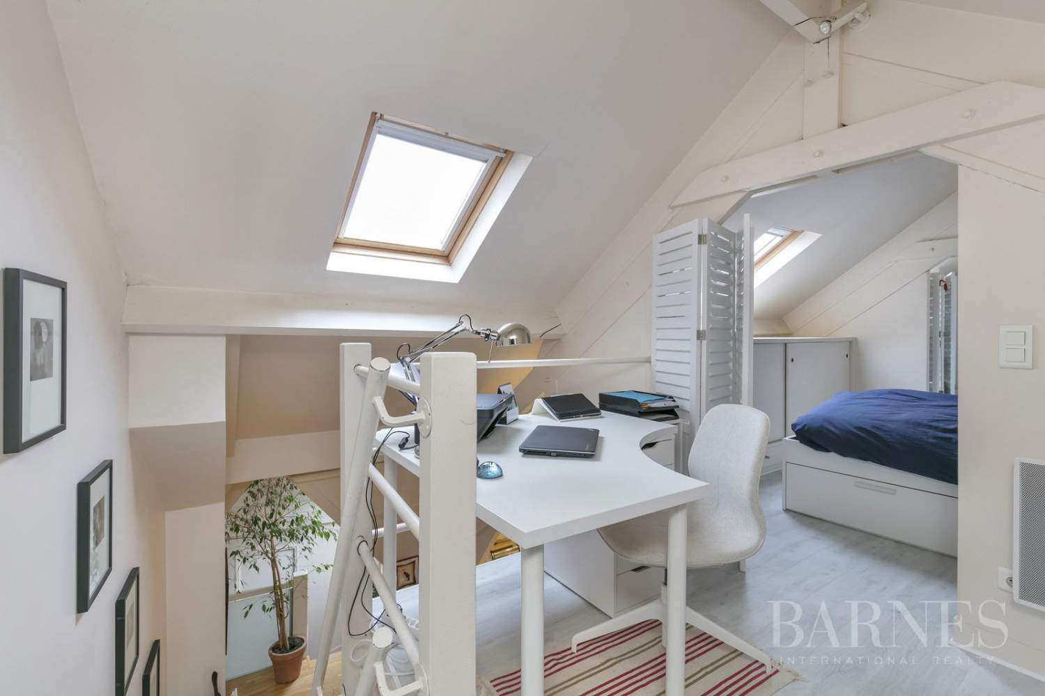 FOR SALE - SAINT GERMAIN EN LAYE - 2 MIN FROM THE RER A LINE - 3-BEDROOM APARTMENT - SHOPS AND SCHOOLS picture 5