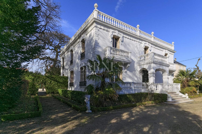 Maisons-Laffitte  - Mansion 5 Bedrooms - picture 1