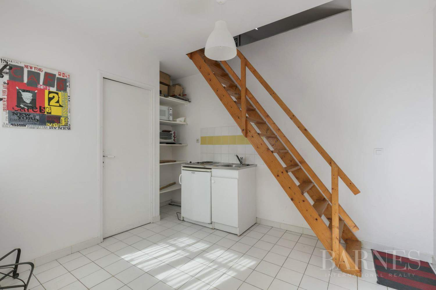 CENTRE OF NOISY-LE-ROI, 330m² (3,552 sq ft) FAMILY HOUSE, 5 BEDROOMS, 500m² (5,382 sq ft), SEPARATE STUDIO picture 12