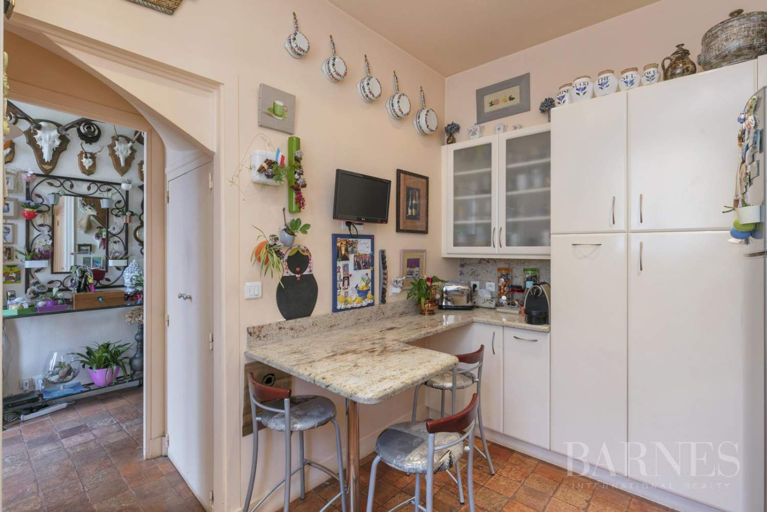 LE CHESNAY - PLATEAU ST ANTOINE 3,498 sq ft HOUSE with INDEPENDENT STUDIOS - GARAGE picture 4