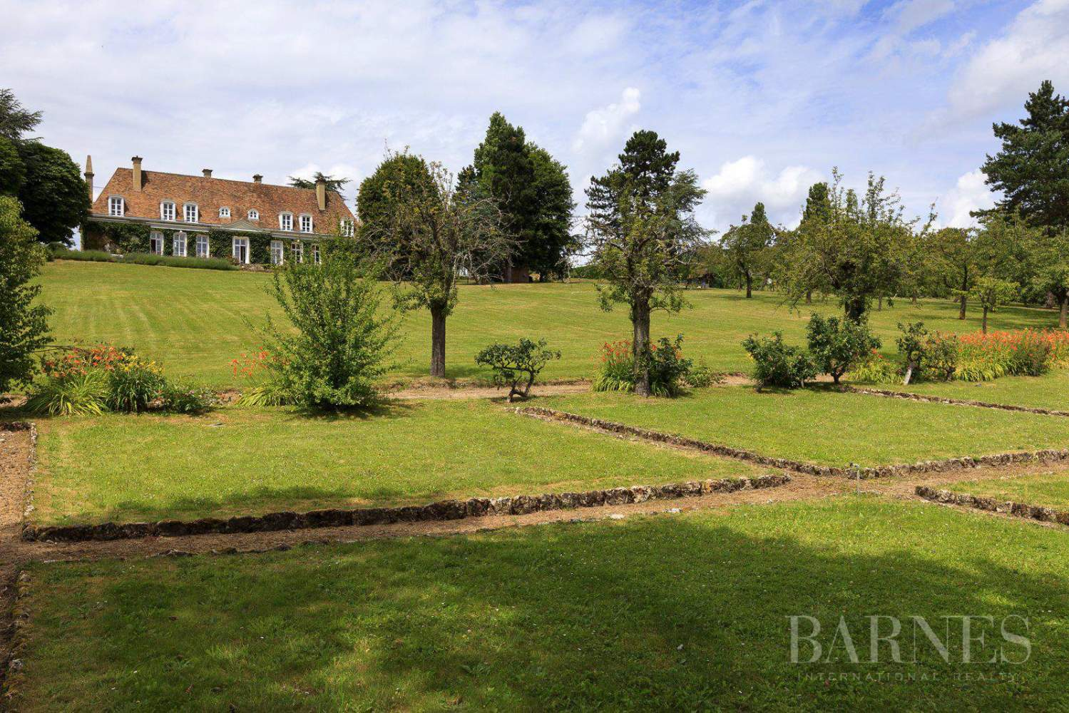 .HOUSE FOR SALE- CHAMBOURCY- NEAR GOLF COURSE JOYENVAL picture 18