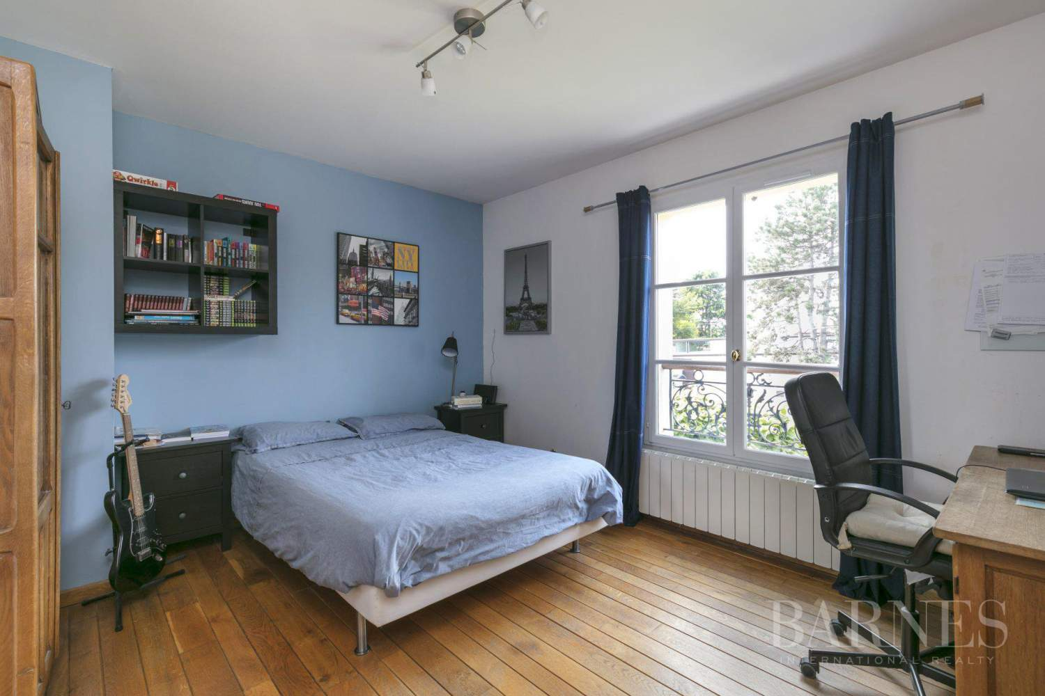 CENTRE OF NOISY-LE-ROI, 330m² (3,552 sq ft) FAMILY HOUSE, 5 BEDROOMS, 500m² (5,382 sq ft), SEPARATE STUDIO picture 4