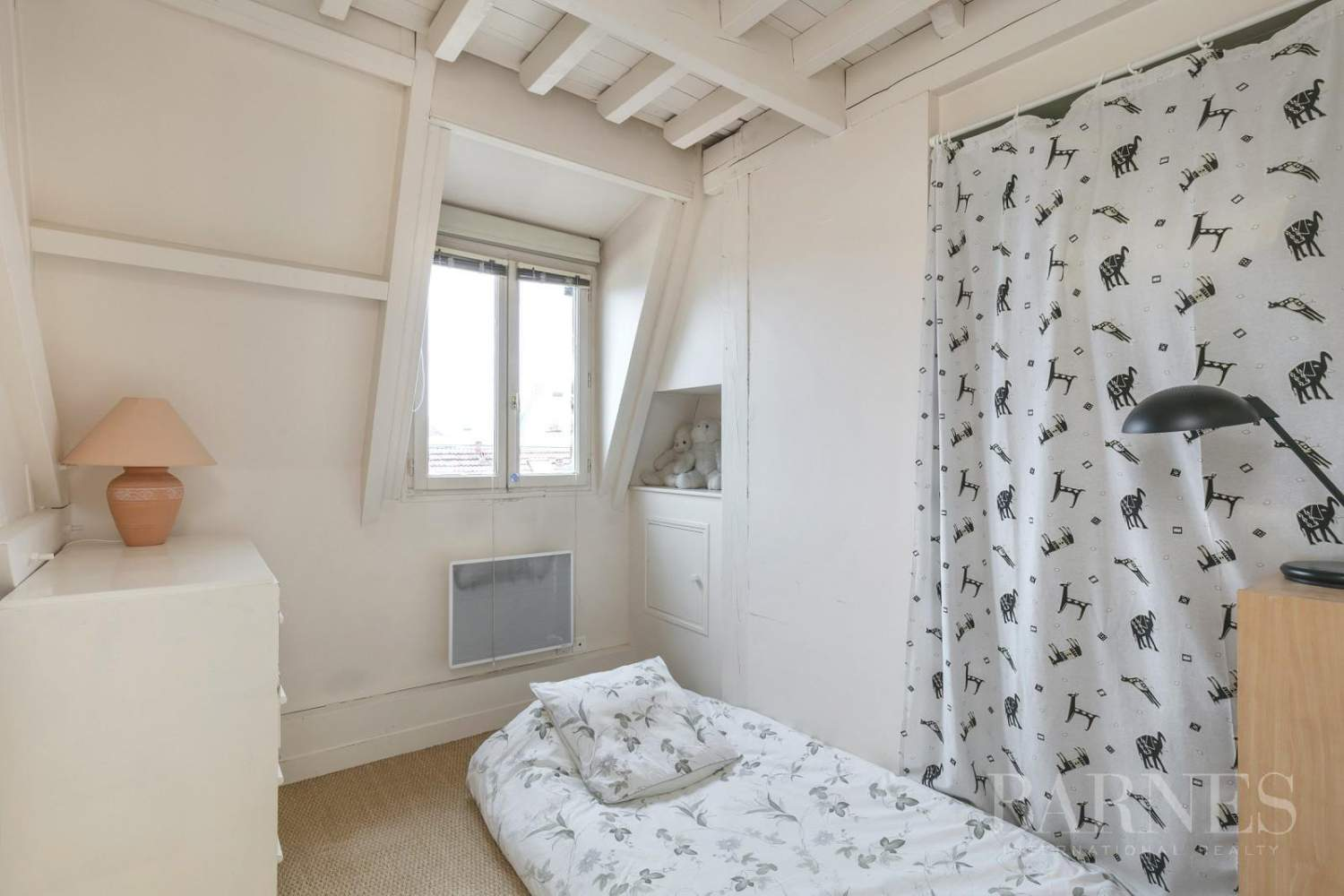 FOR SALE - SAINT GERMAIN EN LAYE - 2 MIN FROM THE RER A LINE - 3-BEDROOM APARTMENT - SHOPS AND SCHOOLS picture 9