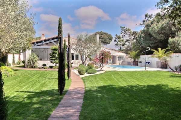 Villa LA FLOTTE - Ref 2702662