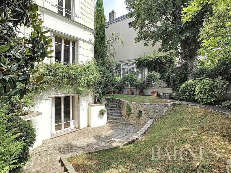 Mansion Paris 75016